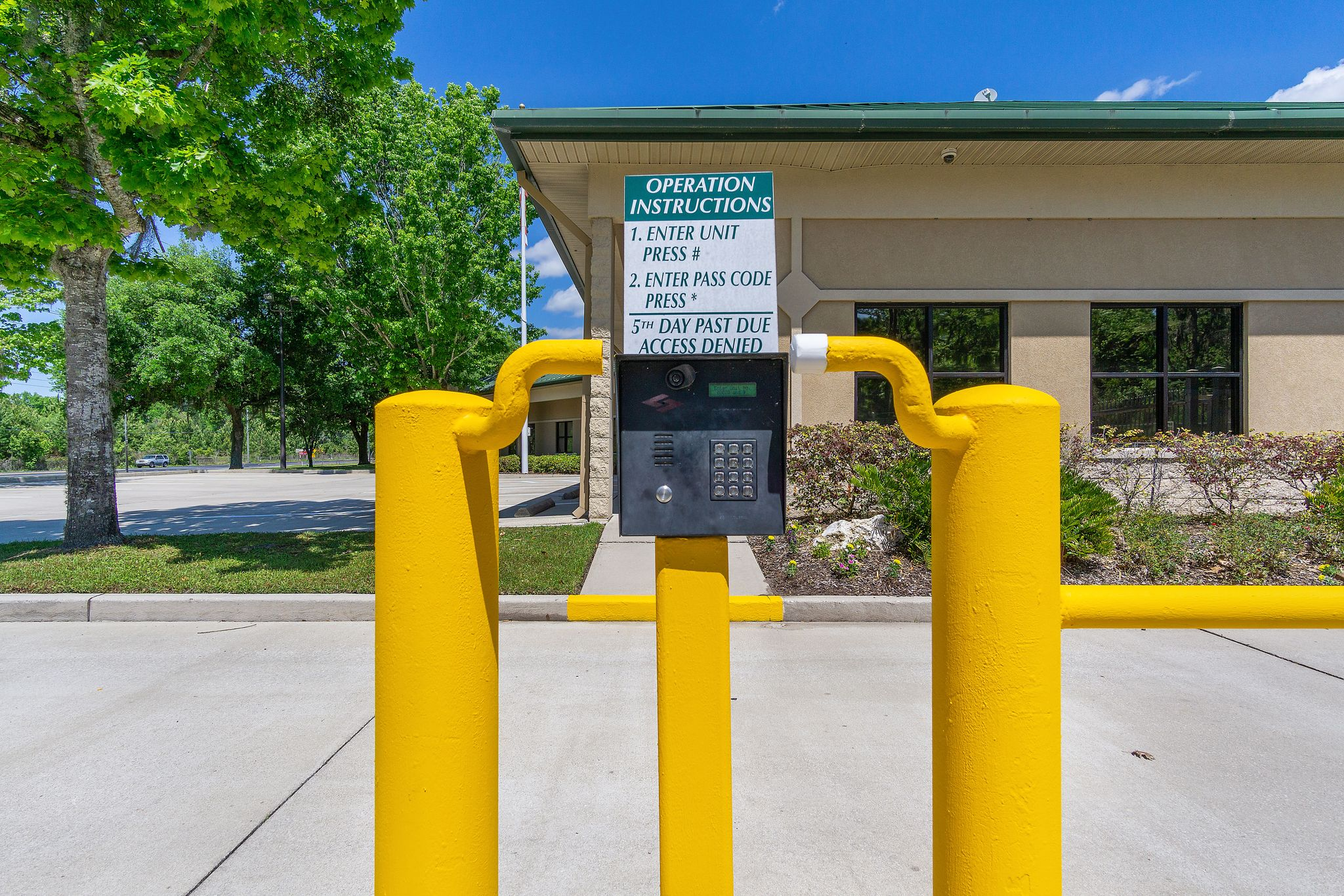 Gated facility with secure keypads in Gainesville, FL