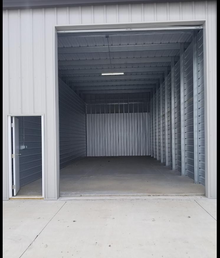 Affordable Family Storage - Urbandale