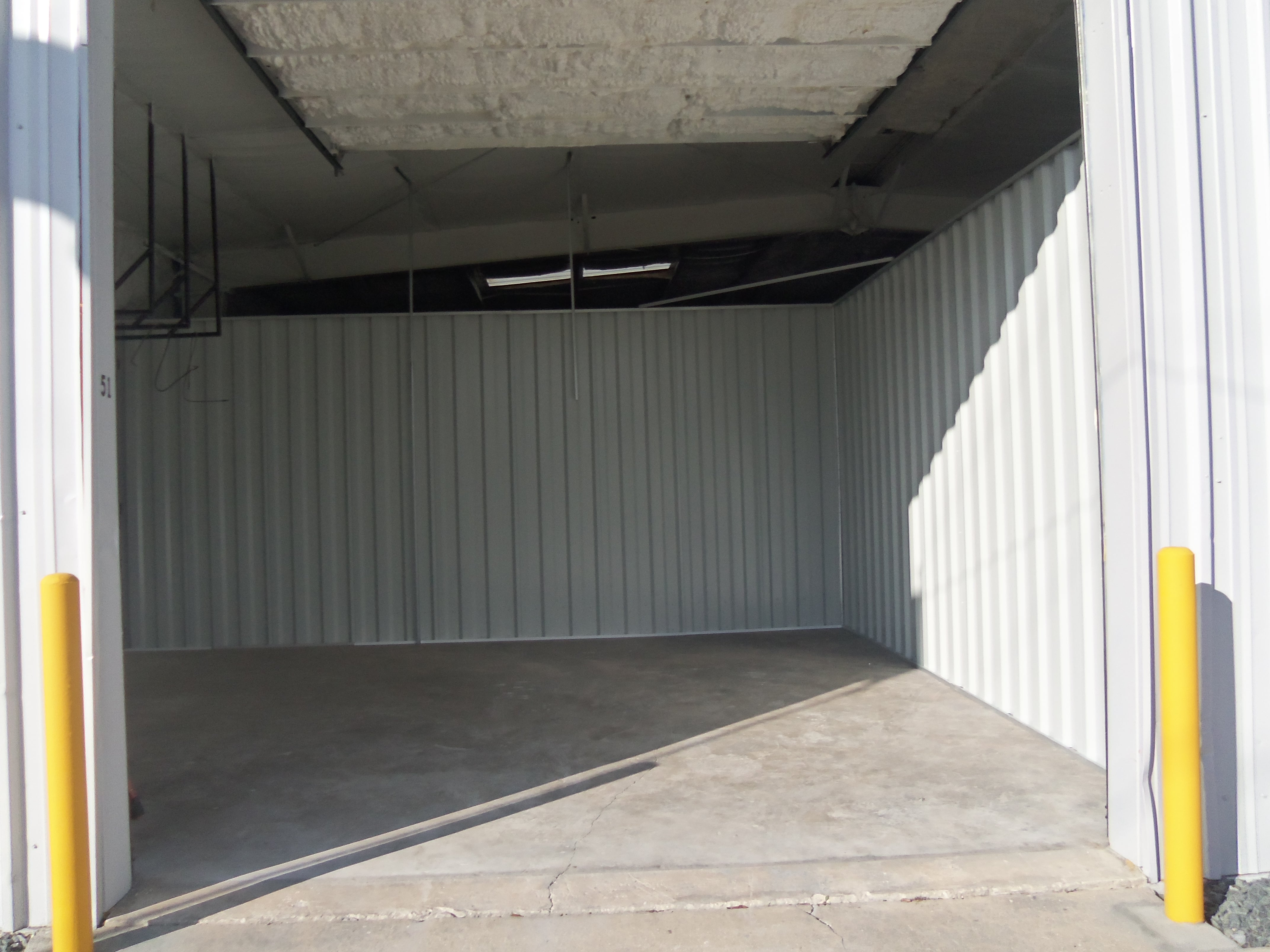 20x20 drive up climate controlled