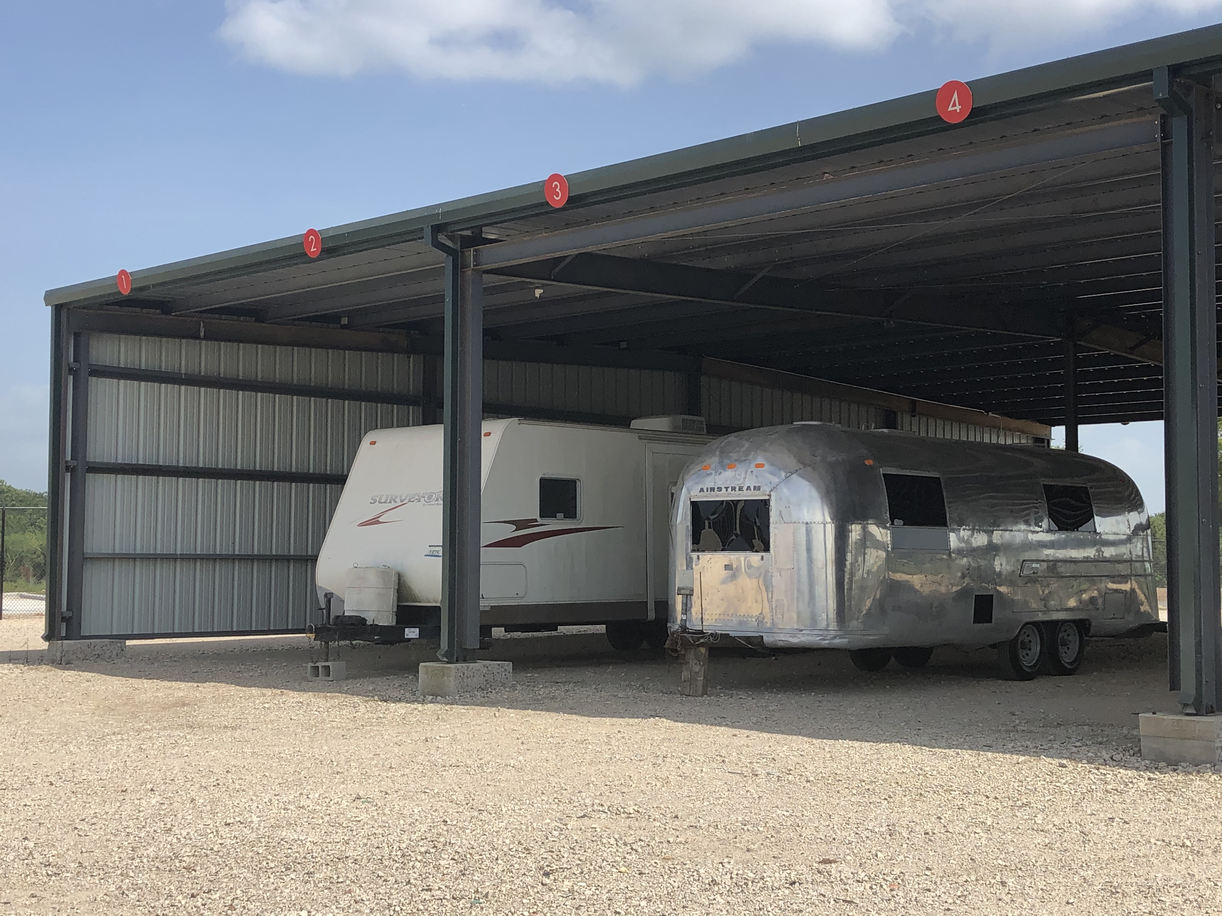 Covered rv parking in Sealy, TX