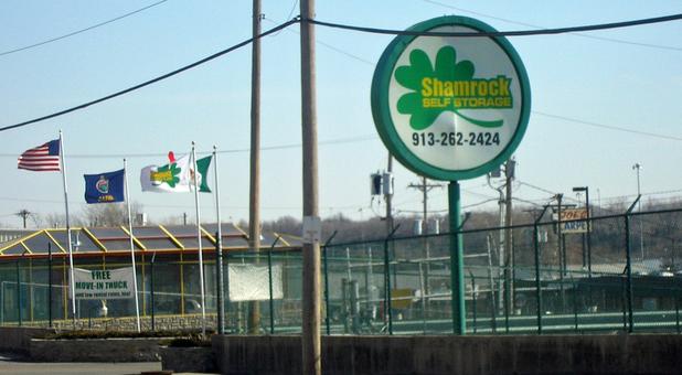 fenced and gated facility Kansas City, KS
