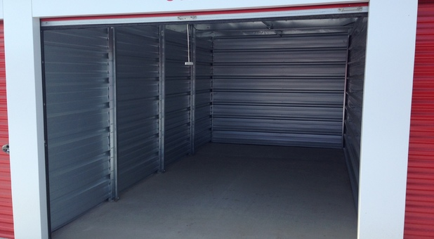 Clean & Secure self storage facility Dunmore, AB