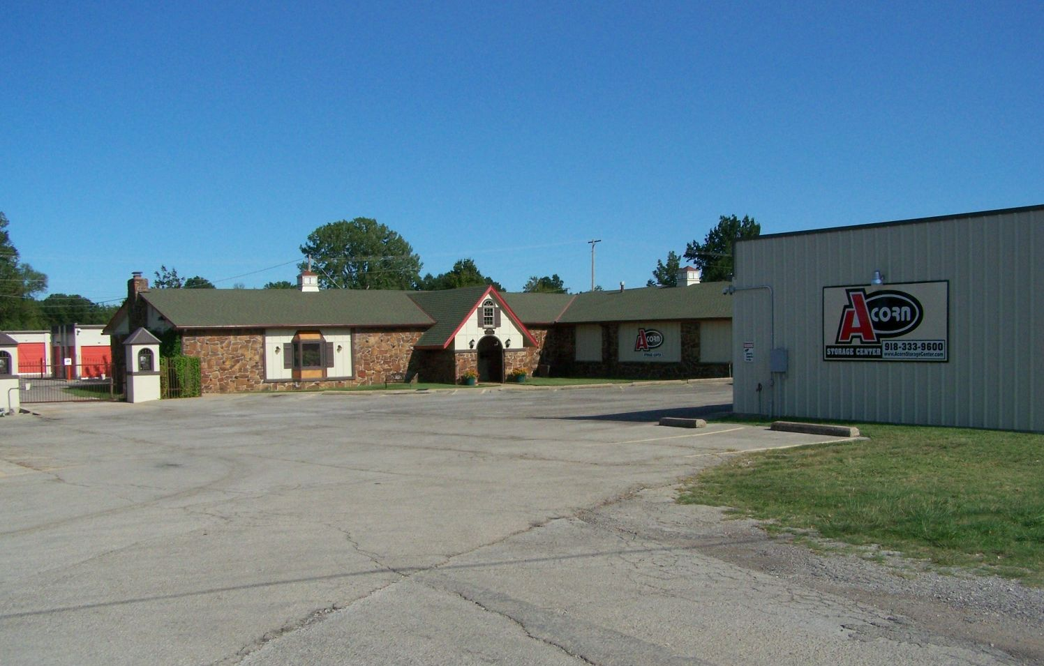 Storage Units In Bartlesville Ok 74006 Acorn Storage