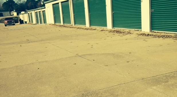 Wide driveways at Calloway Road Storage Center