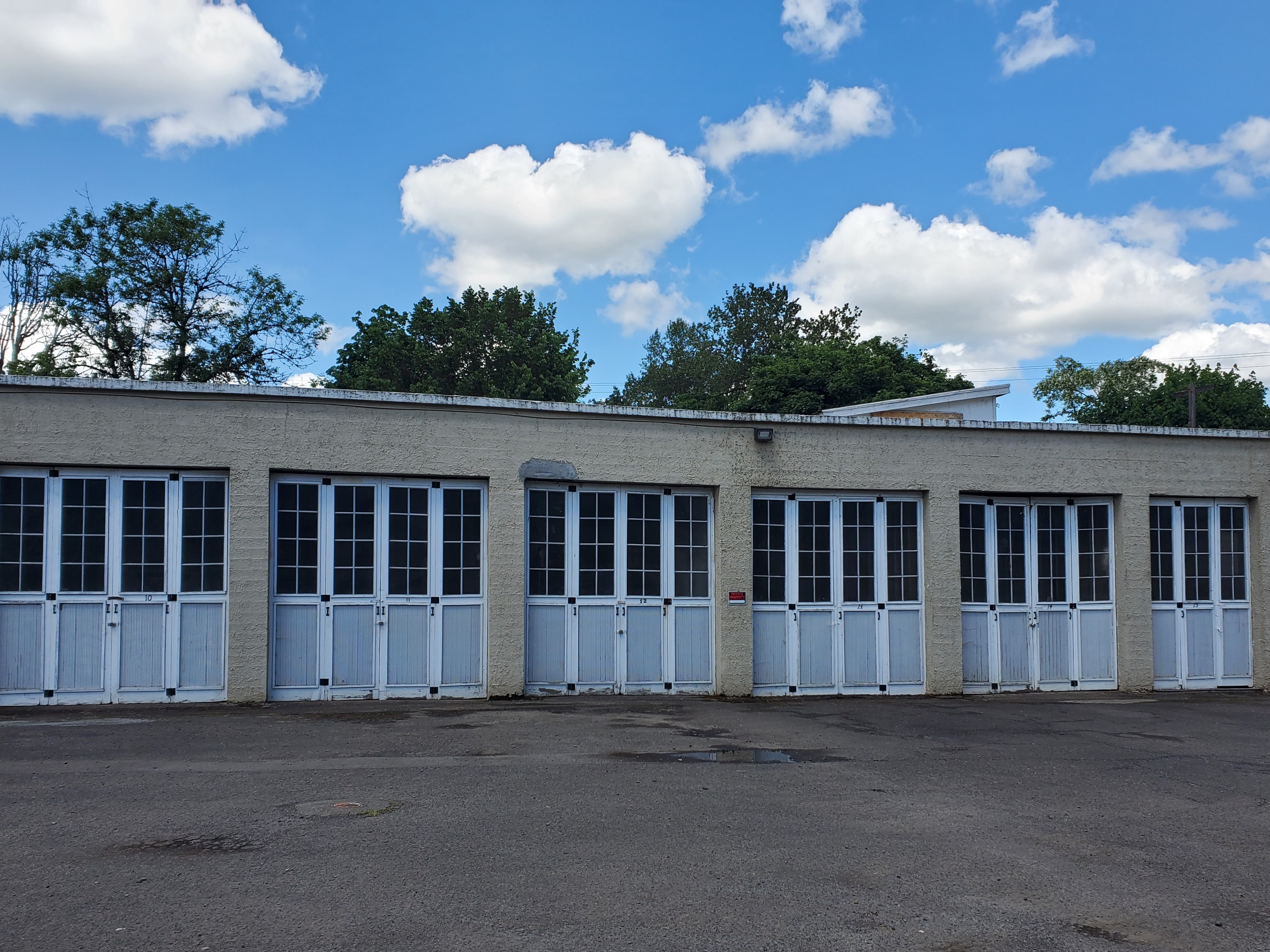 Self Storage Garages