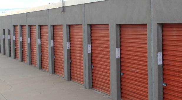 Row of self storage units in Oklahoma City, OK