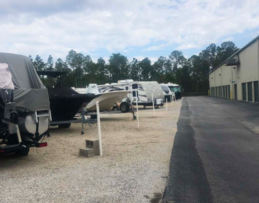Vehicle and boat parking in Fort Walton Beach, FL