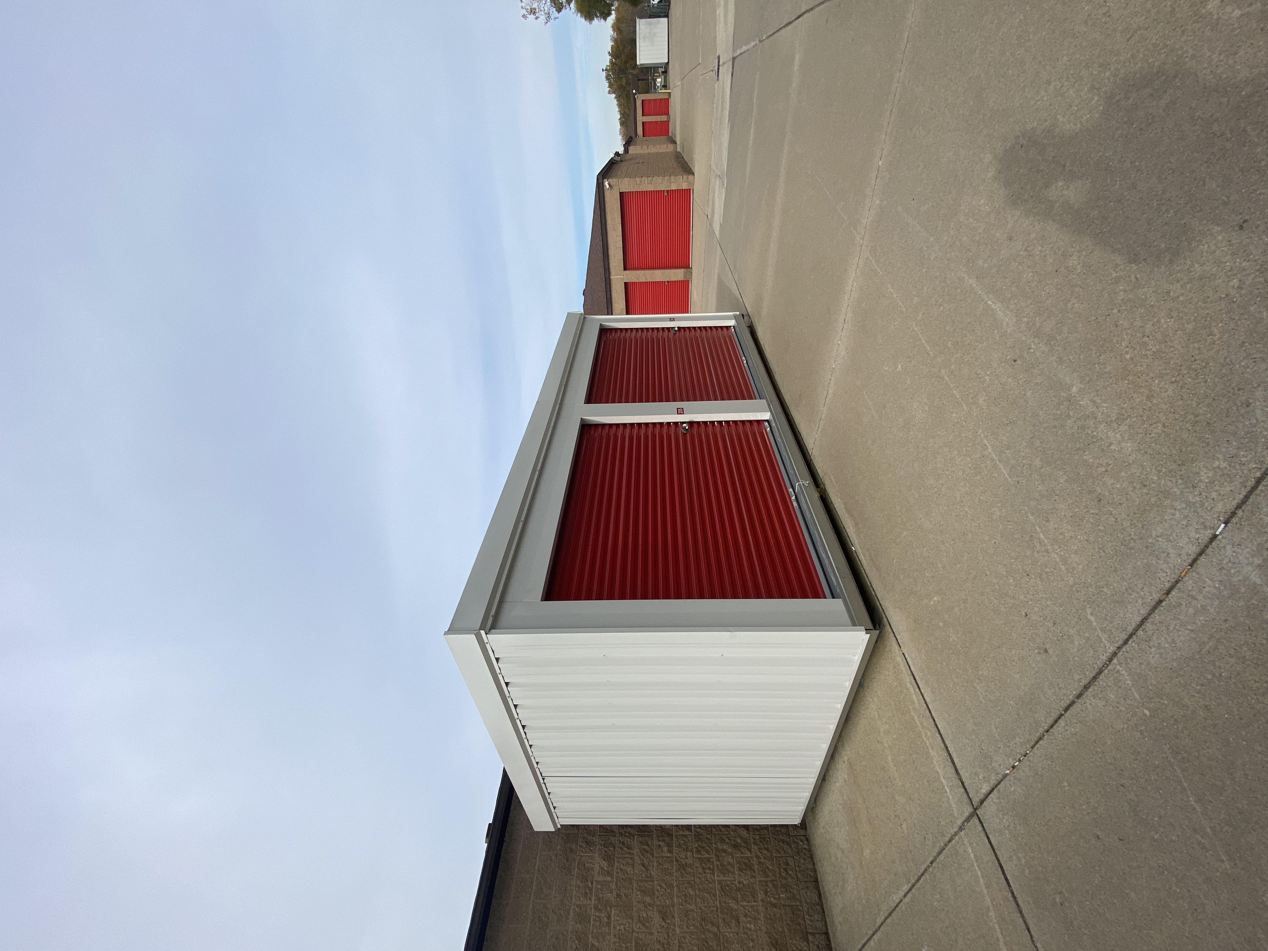 Outside drive up storage in Warren MI