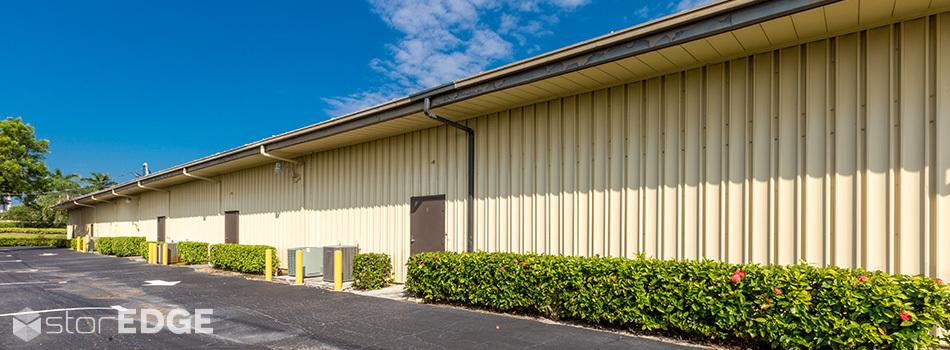 Climate control self storage in East Florida