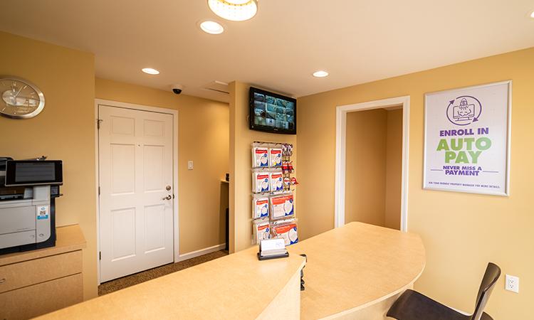 key-storage-river-road-interior01