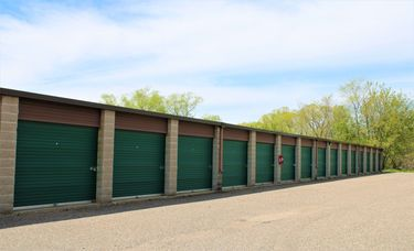 Large drive up accessible storage units