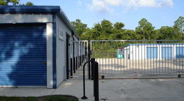 Storage units at Ernie's Mini Storage