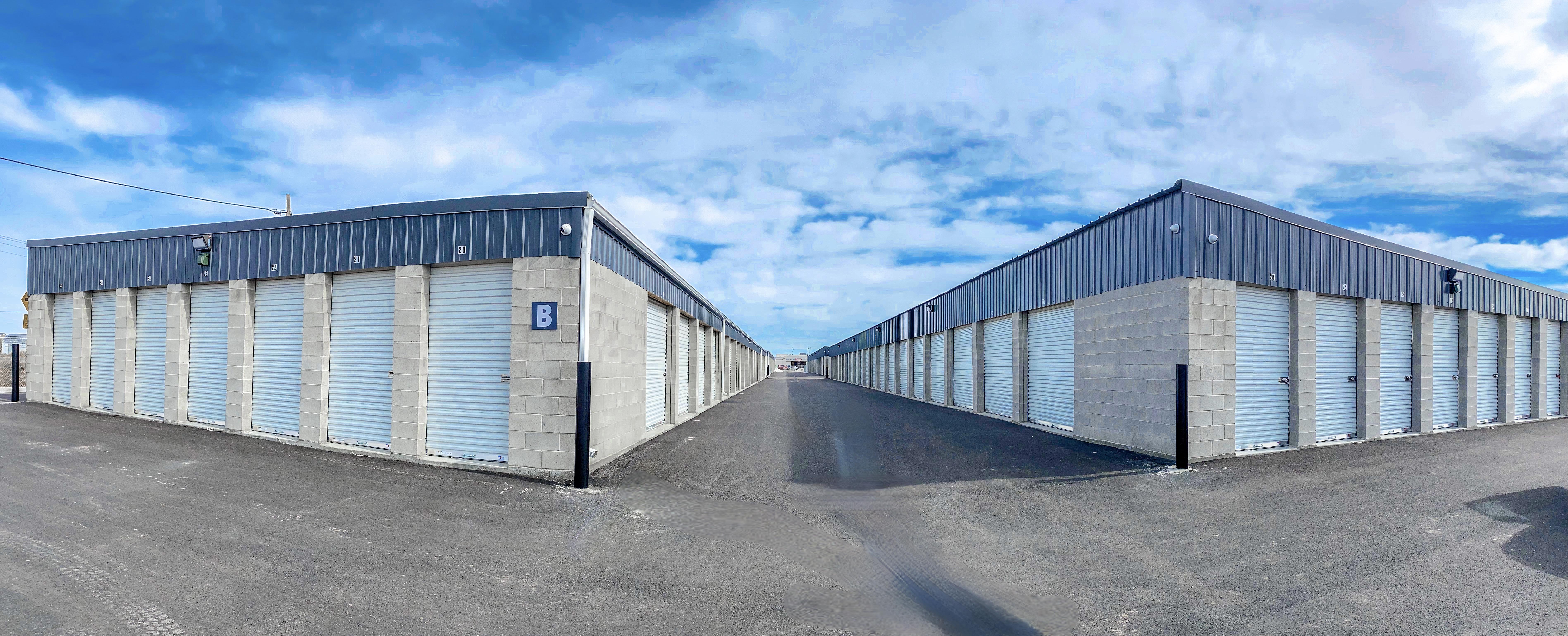 Driveway between units