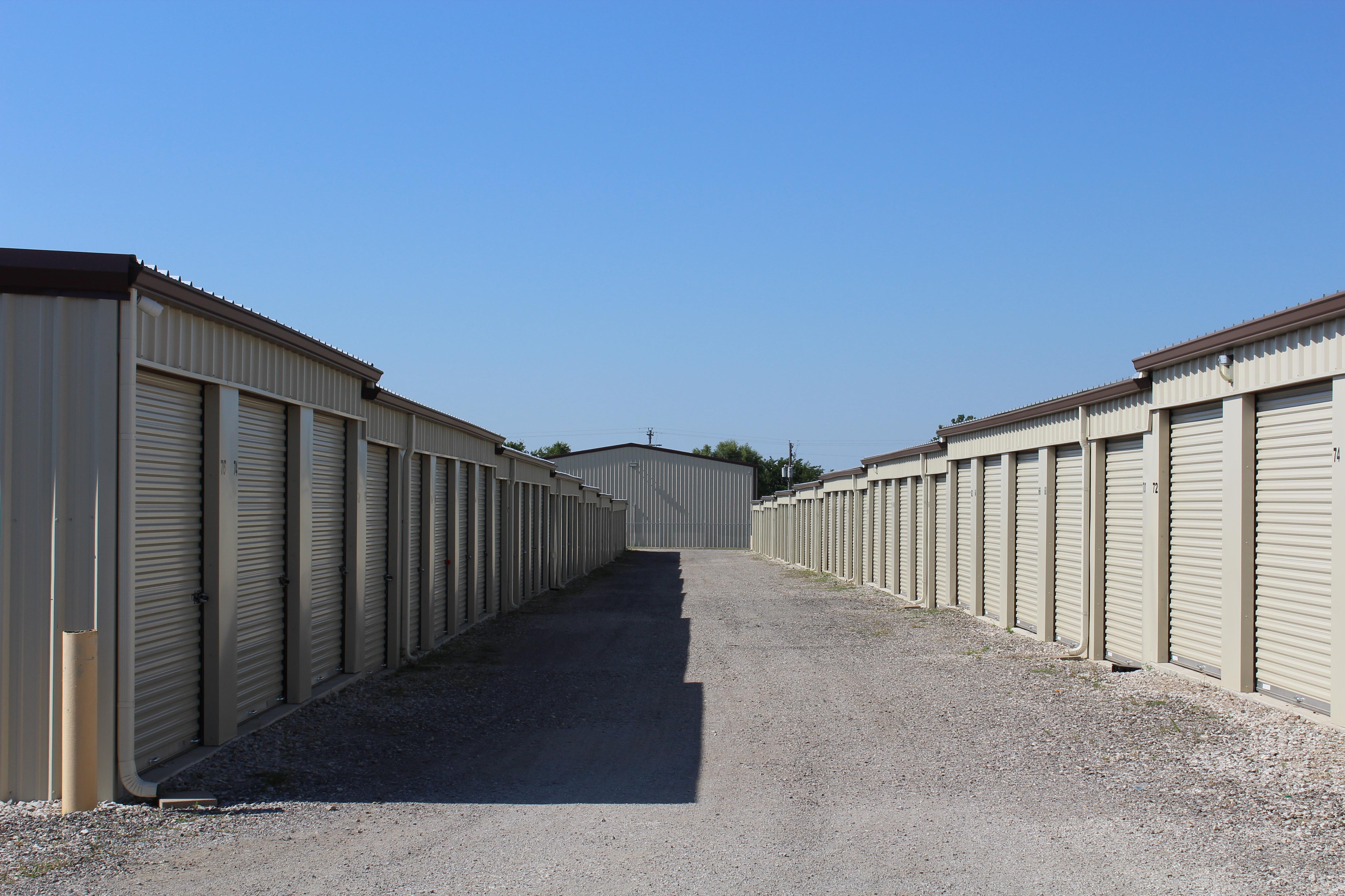self storage units wtih drive up access