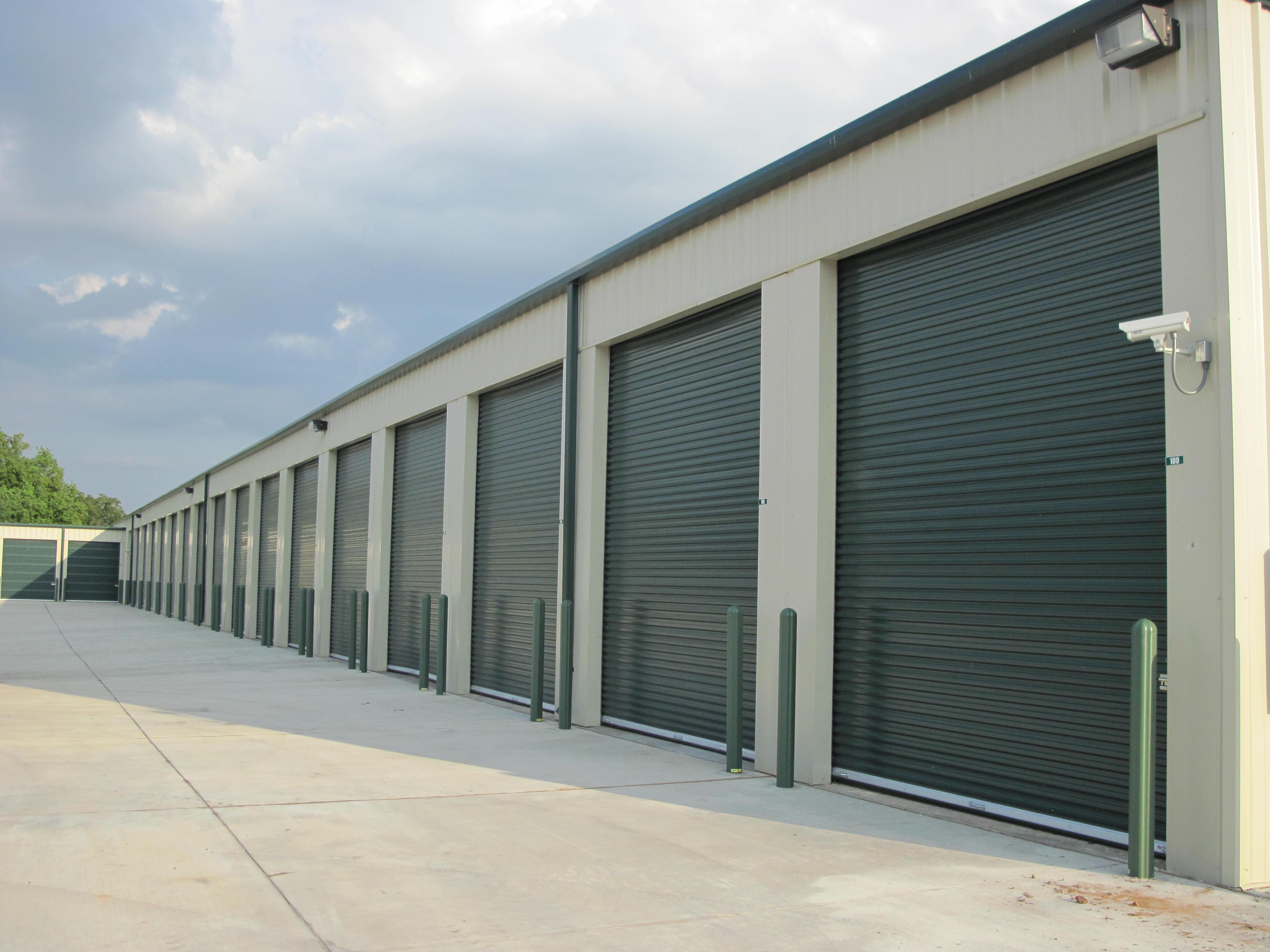 Large RV enclosed unit