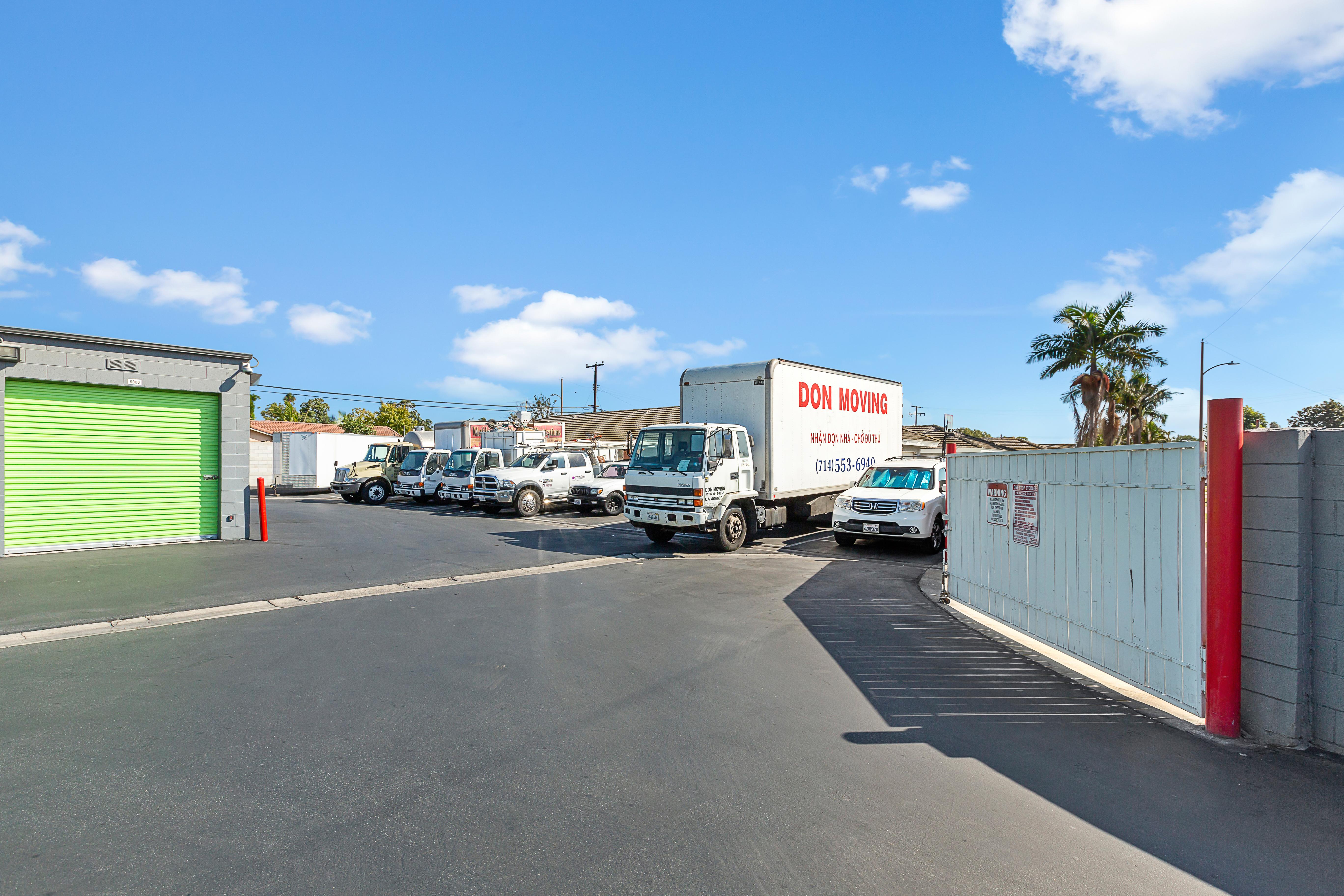 Rental Truck Santa Ana, CA