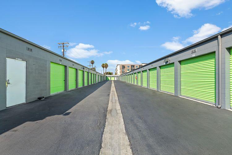 Drive-Up Storage in Santa Ana, CA