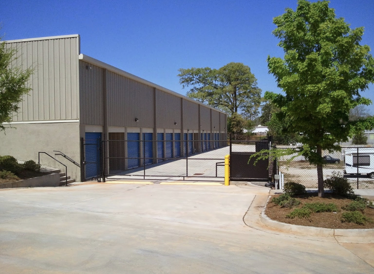 fenced and gated facility Newnan, GA