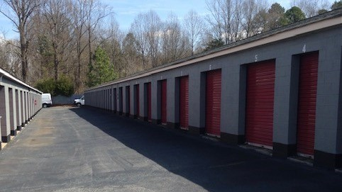 outside access storage units with drive up doors