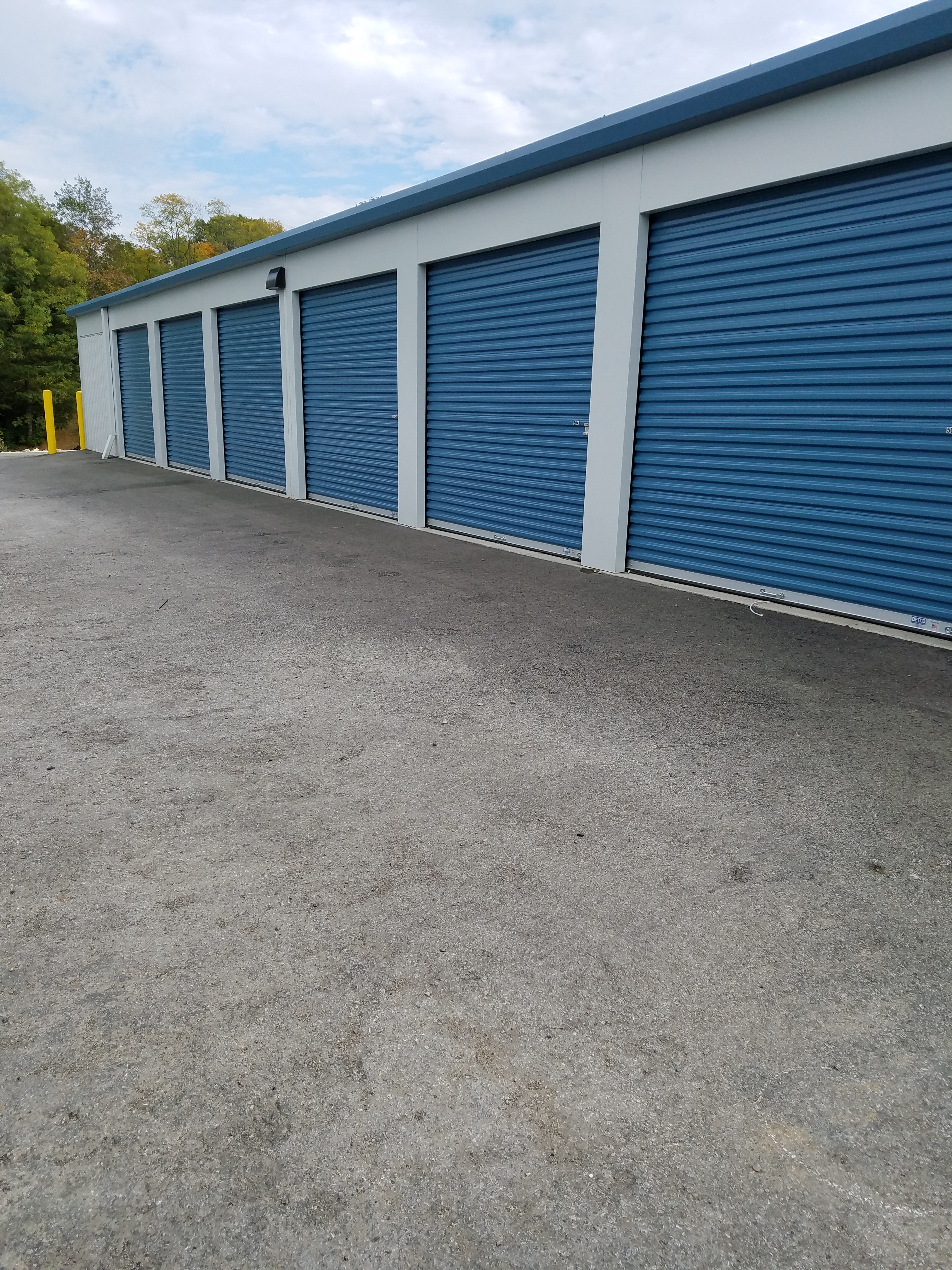 Drive up access units