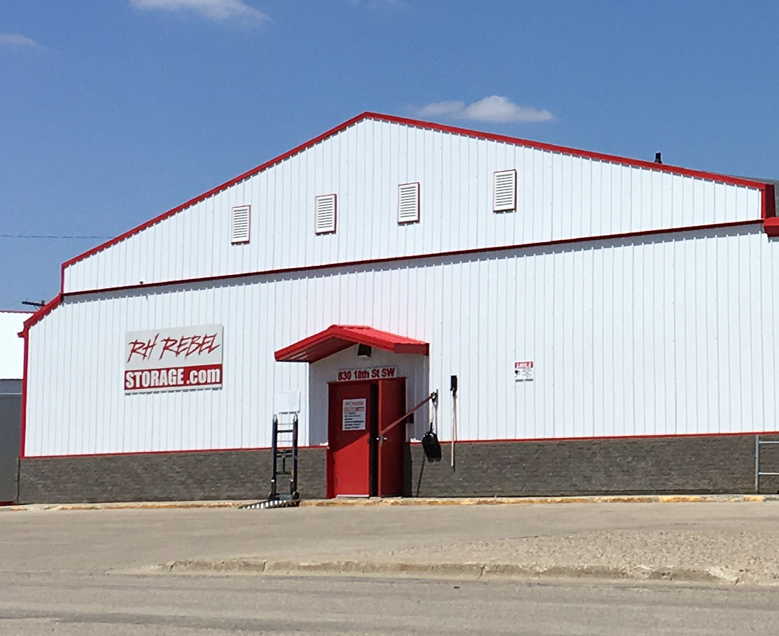 Minot - RH Rebel Storage