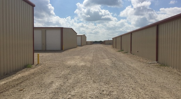 Rows of of self storage units in Caddo Mills, TX