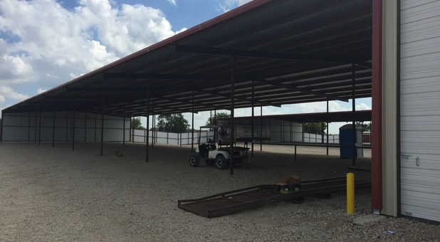 Vehicle parking at Store It All Texas