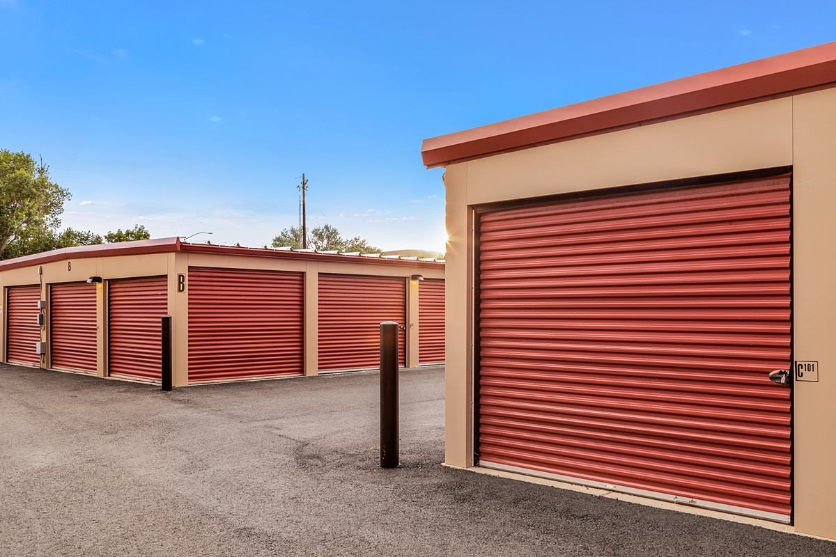 Storage units with large outside access door