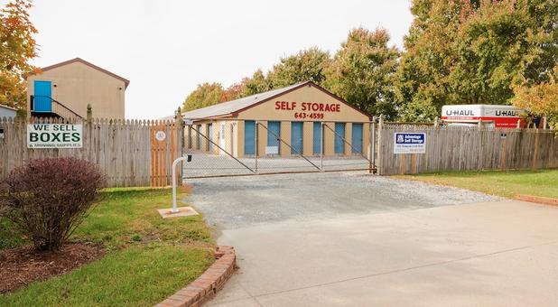 Advantage Self Storage - Thompson Creek Rd