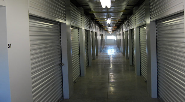 Outlet Self Storage hall