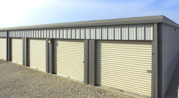 Outlet Self Storage outdoor units