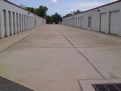 Drive up storage units Miami, FL