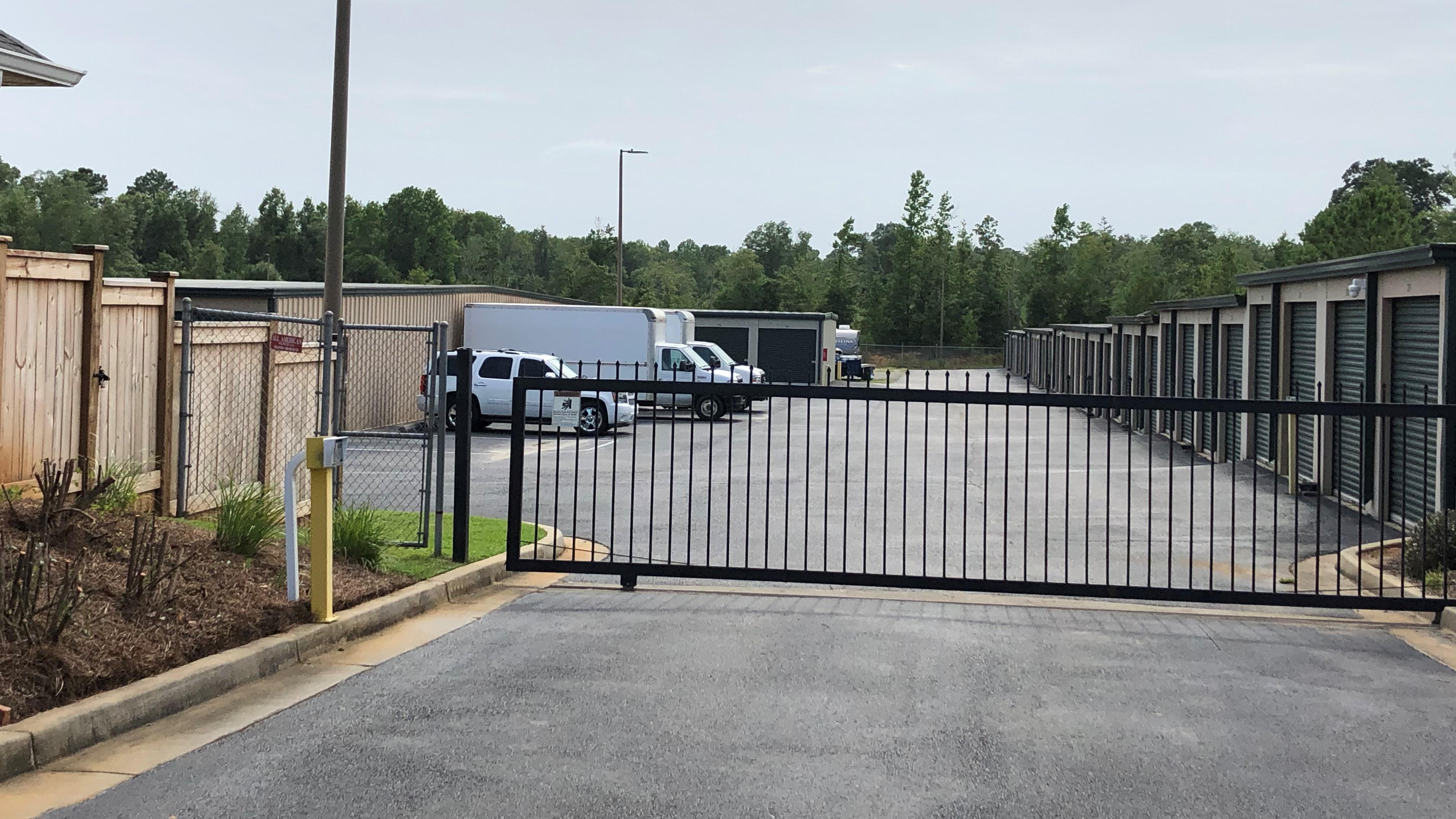 bob white self storage front gate