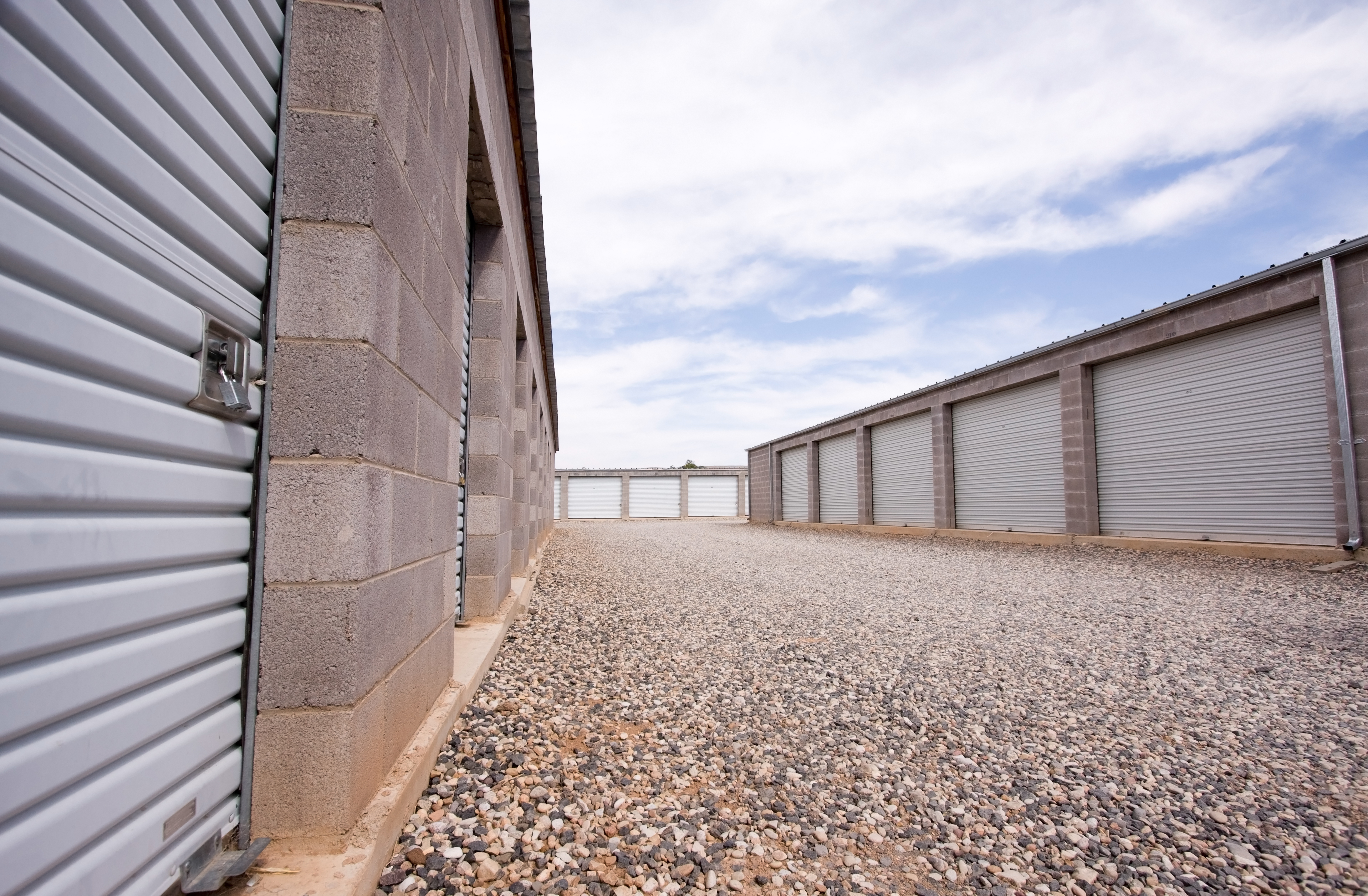 self storage units and parking in Lincoln, NE