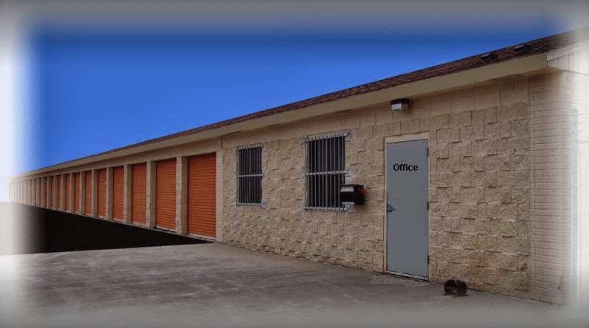 Melvin Avenue Storage