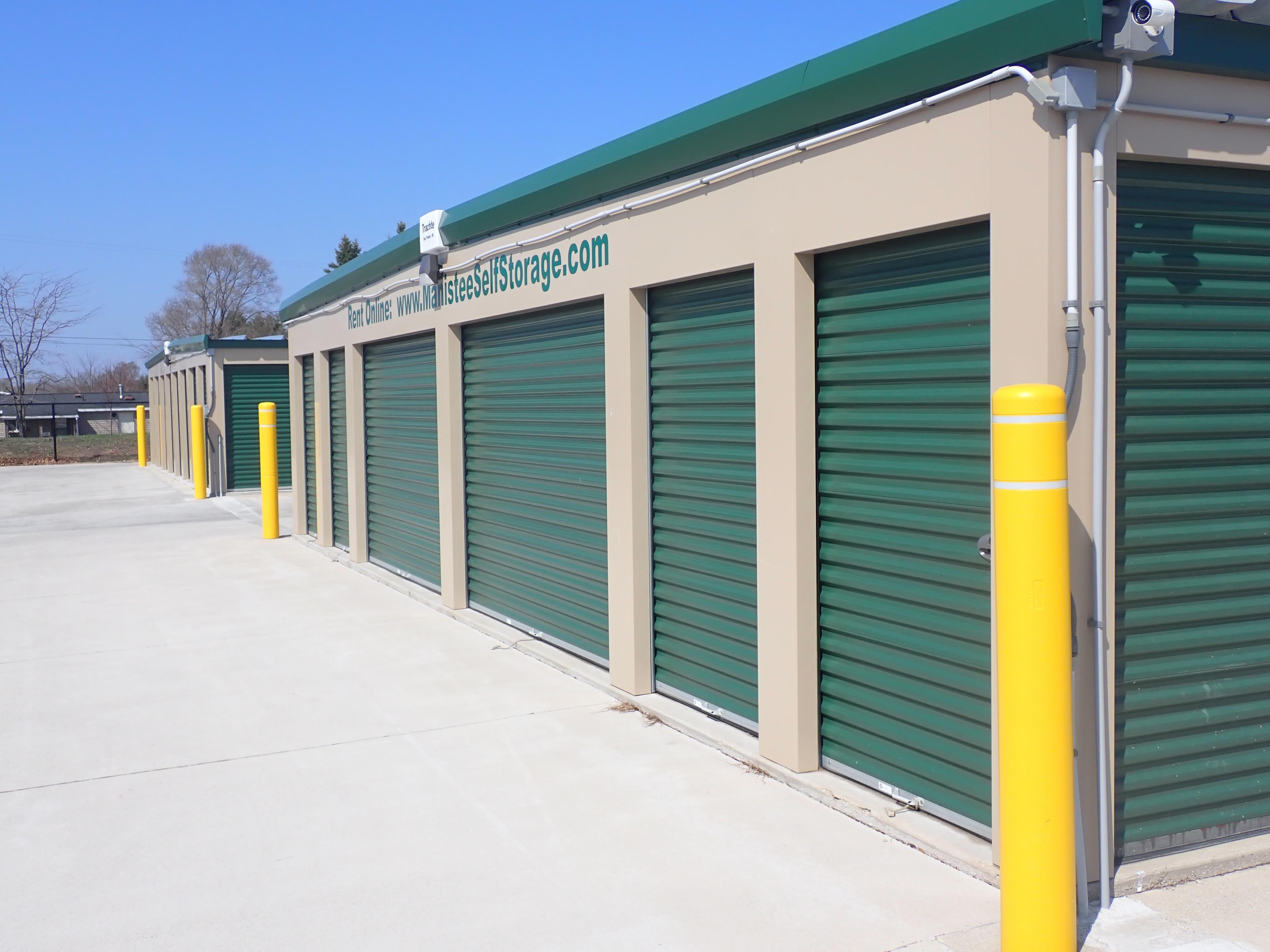Drive up storage units in Manistee, MI