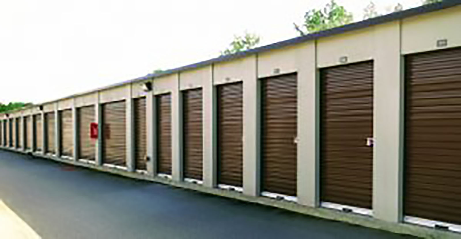 row of storage units in Moultrie, GA
