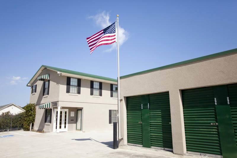 Storage Units in Thunderbolt, GA