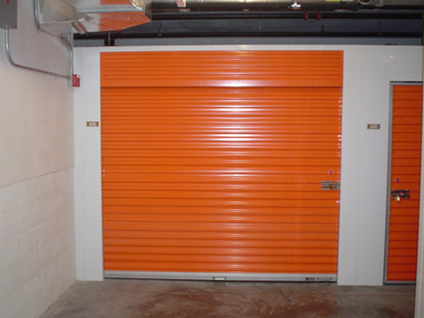 storage unit with roll up door Pembroke Pines, FL