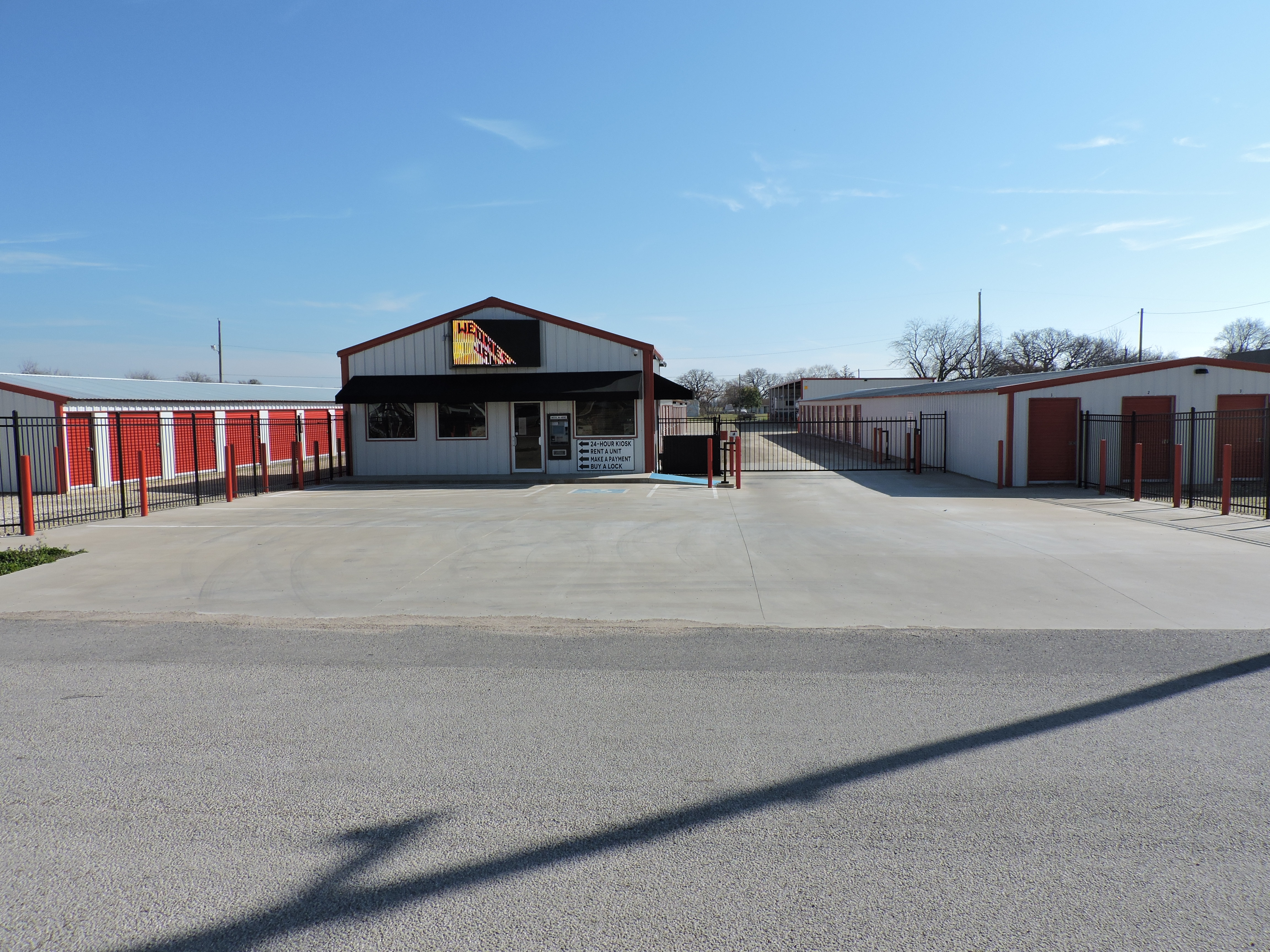 Drive-Up Storage in Whitney, TX