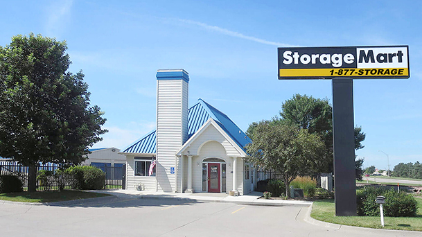 StorageMart - Almacenamiento Cerca De On Cornhusker Hwy / Grand Army of the Republic Hwy En Lincoln,Nebraska
