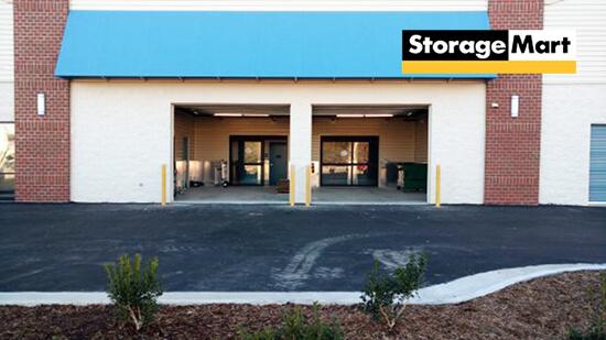 StorageMart Loading Bay- Storage Units Near Virginia Beach, VA