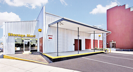 StorageMart - Almacenamiento Cerca De Mandela Pkwy & I-580 En Oakland, California