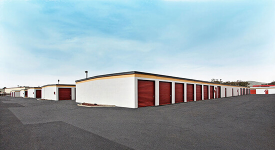 StorageMart Drive Up Units - Self Storage Units Near Airbase Pkwy & Walters In Fairfield, CA