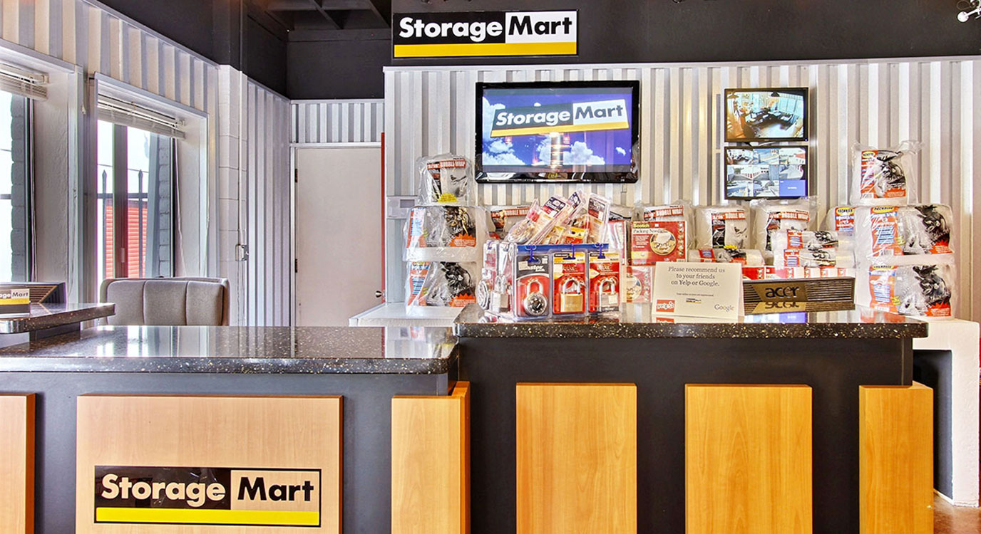 StorageMart - Almacenamiento Cerca De Clayton Rd & Ayers En Concord,California