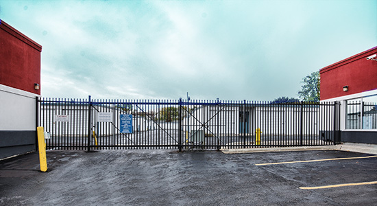 StorageMart Gate - Self Storage Units Near Commisioners Rd & Wharncliffe In London, ON