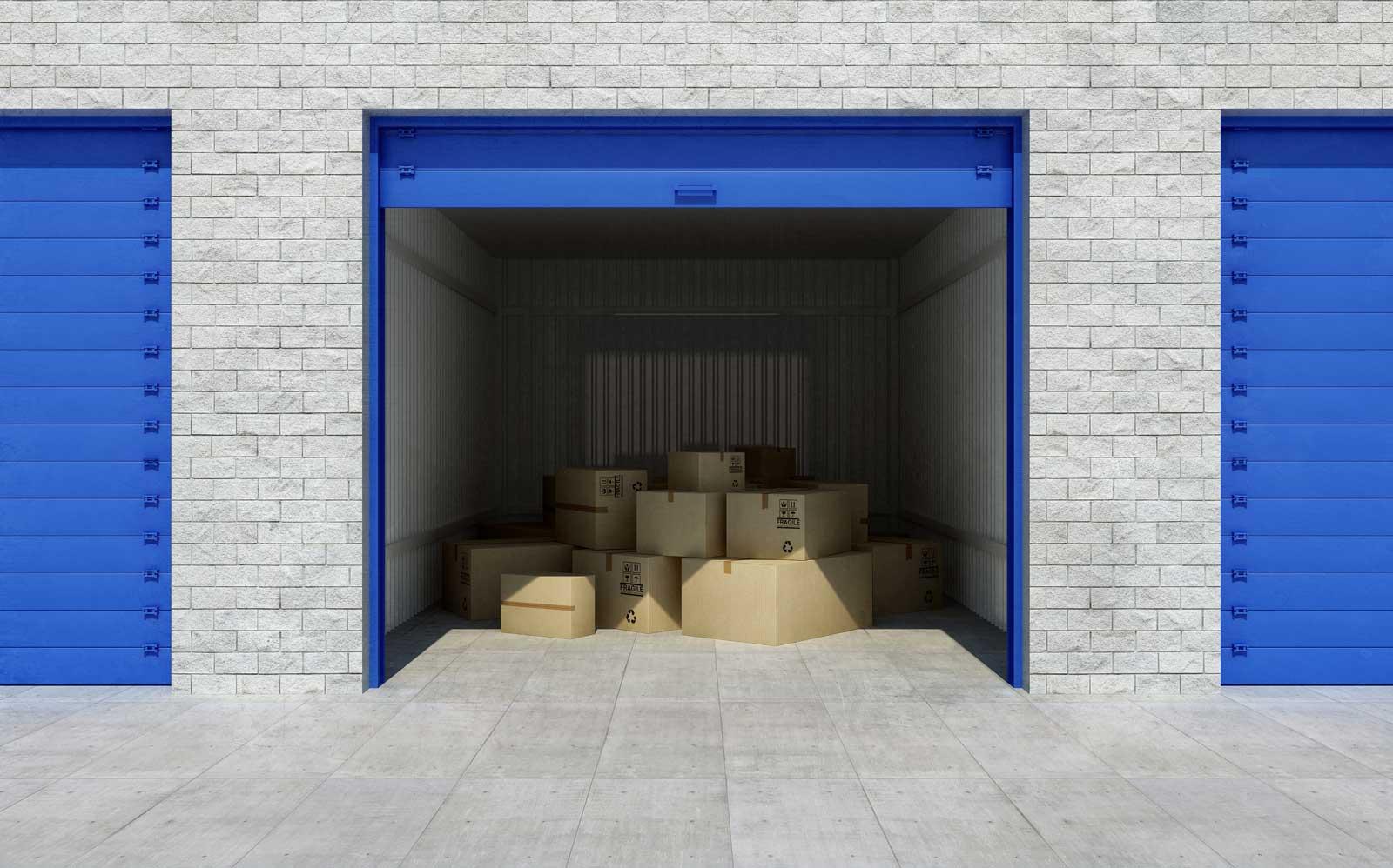 Des boîtes, dans un local d'entreposage