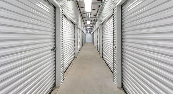 StorageMart - Almacenamiento Cerca De SW 37th and Brookside En Grimes,Iowa