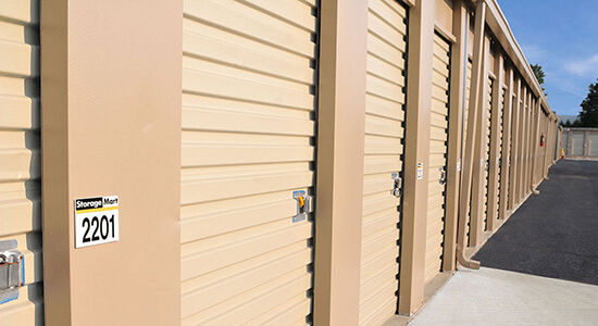 StorageMart Drive Up Units - Self Storage Units Near Herchimer Avenue in Belleville, ON