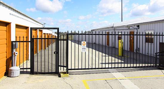 StorageMart Gated Access - Self Storage Units Near Hwy 400 & Innisfil Beach Rd In Innisfil, ON